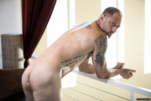 Hairy older hunk shows off his saggy ass