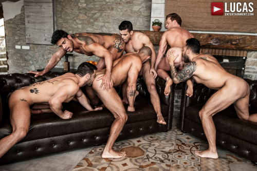 Big muscle ass rimming group sex orgy
